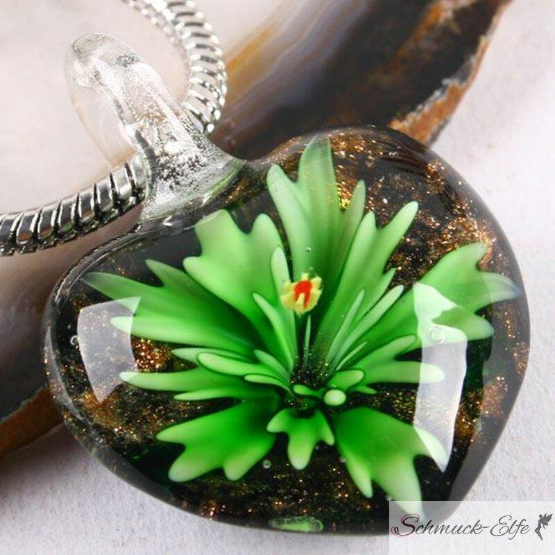 Herz Anhänger Glas grüne Blüte ohne Kette