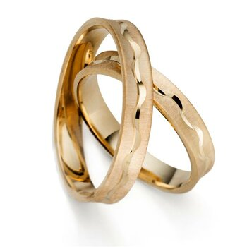 SET Eheringe / Trauringe Together 4 mm in Gelbgold im...